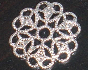 50 pcs of silver-plated  filigree round 15mm