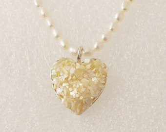 Heart pendent mother of pearl