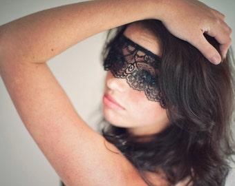 Masquerade Mask Black Lace Strapless Mask