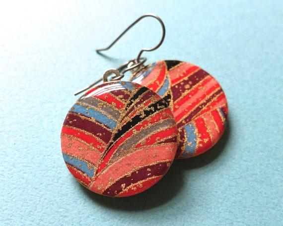 Red earrings, gold earrings, lightweight earrings, Japanese paper earrings, Japanese paper jewelr, chiyogami earrings, chiyogami jewelry