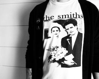 """The """"Smiths"""" Robert Smith and Mary Poole- The Cure  Short-Sleeve T-Shirt"""
