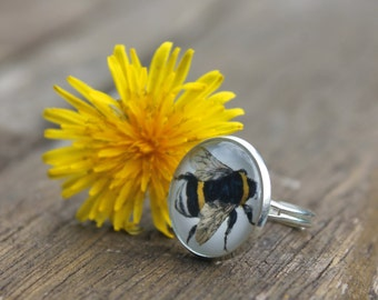 Bumble Bee Ring - Vintage style Honey Bee Glass Dome Ring