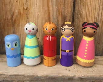 Daniel Tiger set of 5- hand painted wood peg people peg doll, Birthday Cake Topper