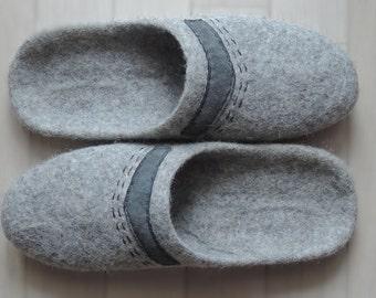 felt slippers / mens slippers / Woolen clogs / Adult slippers/ House slippers