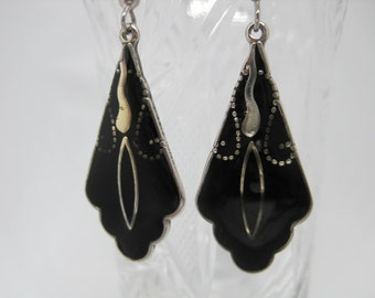 Vintage 80's Black enamel and Alpaca Silver inlaid dangle earrings.