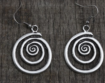 Rustic silver earrings, silver plated circle earrings, simple everyday earrings, handmade rustic jewelry , spiral earring