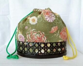 1783 Kinchaku Handtasche, japanische Kimono Shibori Kinchaku gewebt Bambus  /Hand Tasche, handgefertigt in