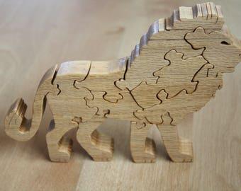 Wooden puzzle: Lion