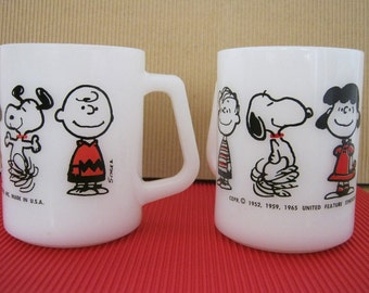 Peanuts Mug -  Snoopy, Lucy, Charlie Brown, Linus - Federal - White Milk Glass Vintage - Collectible