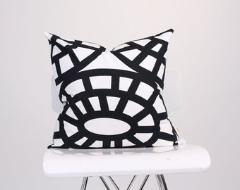 Bold Black Geometric Pillow Cover, Graphic Pillow, Decorated Pillow, Throw Pillow, Home Accent Cushion