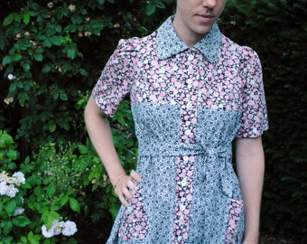 Vintage-inspired printed blouse
