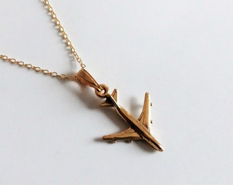 18ct Gold over Sterling Silver Aviation Aeroplane Plane Jumbo Jet Pendant Necklace.