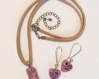 Firefly Kaylee Iconic Pink Bead Necklace & Matching Heart Earrings