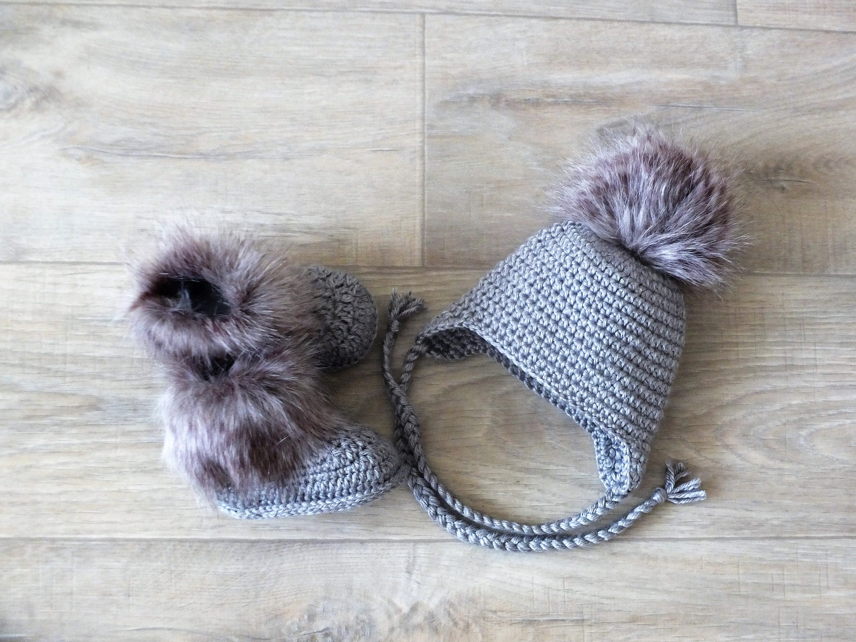 Gray baby Booties and Hat with faux fur Crochet Baby Hat and