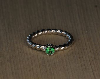 Stackable Sterling Silver Ring -  Featuring Rainforest Green Topaz Gemstone - Bezel Set - Rope