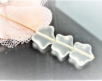 Czech glass beads, 12 mm x 10 star shaped Pearl