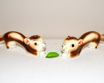 Vintage Squirrel Long Tail Shakers