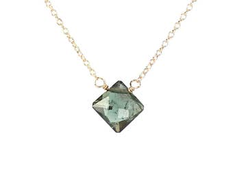 Tourmaline necklace //crystal necklace // green tourmaline necklace // pink tourmaline // gemstone necklace
