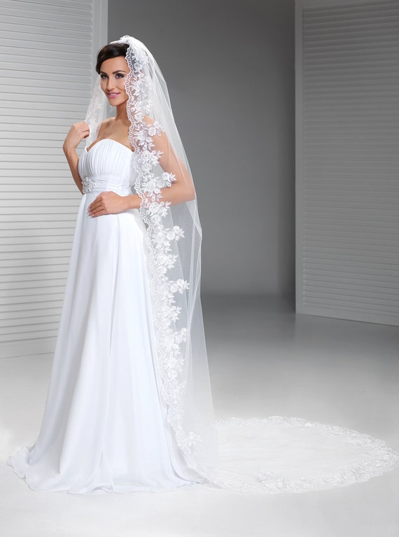 Cathedral Veil Mantilla Veil Spanish wedding veil Bridal
