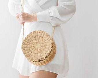 NEW Straw bag • Thai Weaving seagrass • cross body bag • handmade bag with knitting strap • boho bag in round shape • Free tassels