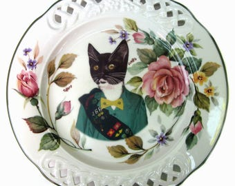 Kitty Scout Portrait Plate 10.5""