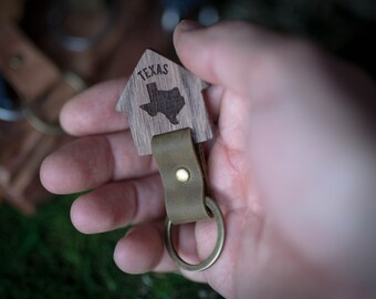 Texas  Wooden Leather Keychain - Walnut Key Chain America, State of USA. wood key chain. Leather key ring. Boyfriend Groomsmen gift.