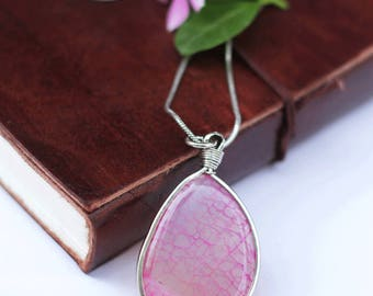 Pink agate pendant, stone coulomb, big stone pendant, woman's pendant, natural stone, big coulomb, metal chain pendant, boho pendant