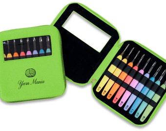 Yarn Mania - Light Up Crochet Hook Set - 9 Crochet Hooks (Sizes 2.5mm-6.5mm) w/ Organizer Case (Green)