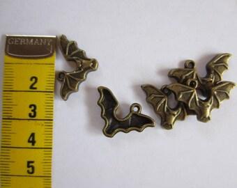 5 x Bronze bat Batman
