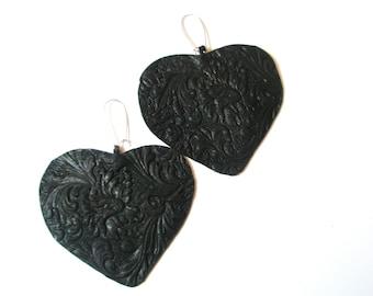 Heart earring Black Leather
