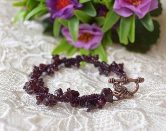 Garnet bracelet Chakra Gemstone jewelry Healing Raw Stone Bracelet Red garnet beaded January Birthstone Yoga Meditation energy bracelet