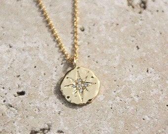 Necklace medal Compass / north necklass.