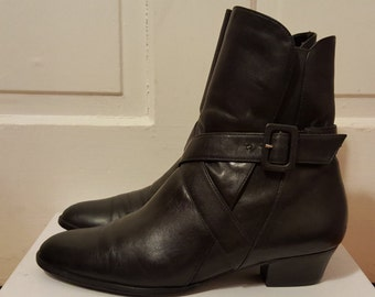 BLACK LEATHER BUCKLE Boots // Women's Selby Ankle Boots size 7.5 Booties 80's Wrap Pirate 90's Low Heel