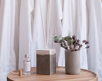 Gray & White Concrete Pot / Reed Diffuser