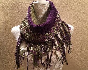 Bamboo Cowl - a loom knit pattern