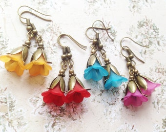 FREE SHIPPING! Beautiful flower earrings with yellow, red, blue or pink bell flowers and brass petals, bridesmaid gifts, Selma Dreams