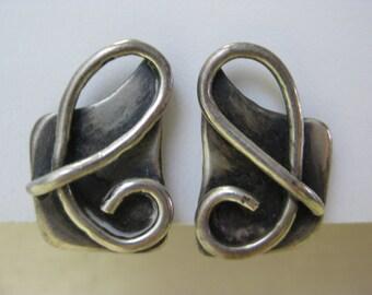 Silver Loop - vintage earrings