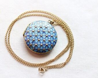 Antique Victorian Locket Necklace, PLIQUE-A-JOUR Enamel Pendant, Brass Pendant, Locket Pendant Necklace, Vintage Necklace Circa 1900s-N0086