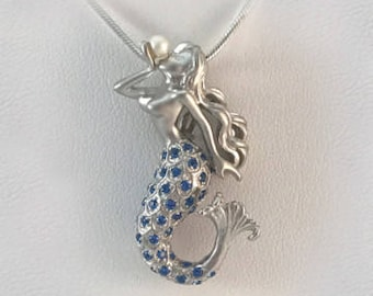 Sterling Silver Mermaid Necklace - Pearl Kiss