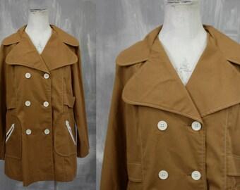 70s Style   Vintage SEAR'S Wide Round Lapel Tan Lightweight Twill Short Trench RAIN Coat   Funky 1970s   Juniors Lg Xl   34-37 Waist