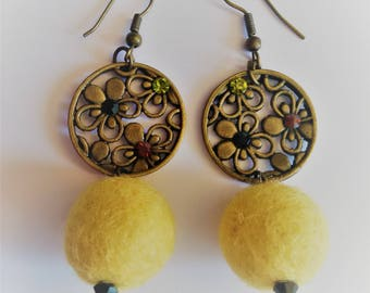 The color felt yellow chick earrings
