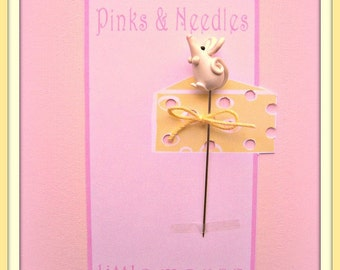Little White Mouse Pin Topper
