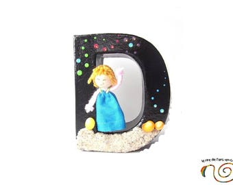 Letter D 10 cm, black and multicolored, initial name to put with character, seaside theme