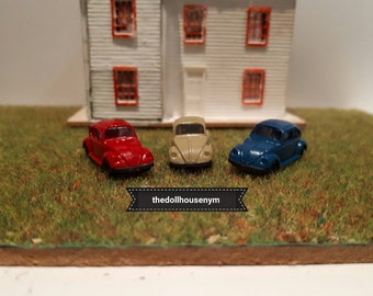 Tiny miniature scale 1: 144 beetle for our micro houses dolls or scenes. They are also great as toys for our houses scale 112.