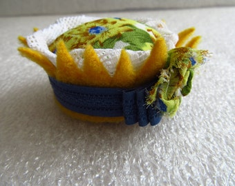 OOAK Yellow Pin Cushion, Unique Colorful Hand Made Pin Tidy, Needle Cushion, Flower Pincushion, Gift for Sewer