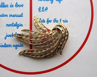 signed vintage Monet brooch pin . gold abstract leaf pin, perfect for fur collars and winter coats