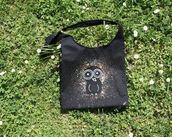borsa di cotone nero-borsa a tracolla-borsa dipinta a mano-disegno originale la civetta diurna-borsa a un manico-borsa nera-tracolla nera