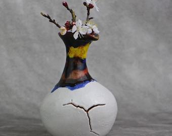Handmade Ceramic creaked Flower Vase, modern vase, ceramic flower vase, small flower vase, ceramics and pottery, small pottery vases