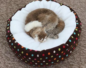 Fleece cat bed, fleece dog bed, soft pet bed, brown cat bed, washable pet bed, round cat bed, cute cat bed, doughnut cat bed