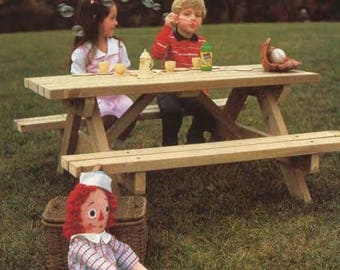 Pint Sized Picnic Table Woodworking Plans